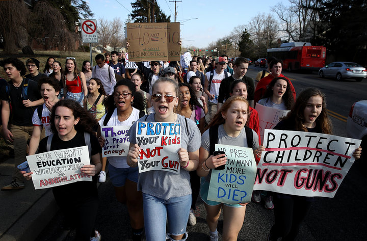 Students+from+Montgomery+Blair+High+School+marching+in+support+of+gun+reform+legislation.%0APhoto+credit%3A+www.huffingtonpost.com%0A